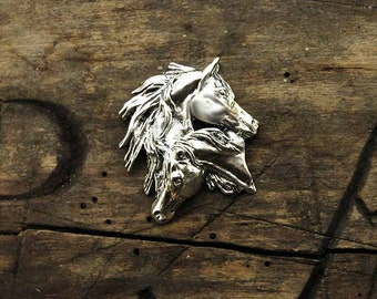 Horses head brooch in 925 sterling silver