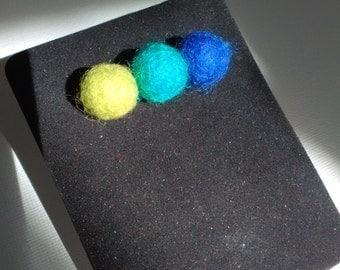 Wool brooch. Felted wool lapel pin.