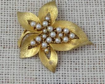 Vintage Jonette Jewelry Gold Metal and Pearl Leaf Brooch JJ Pin