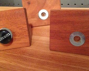 Wooden note & magnet holder