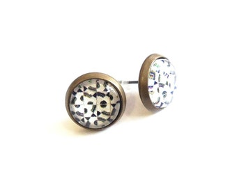 Graphic earrings black white and grey