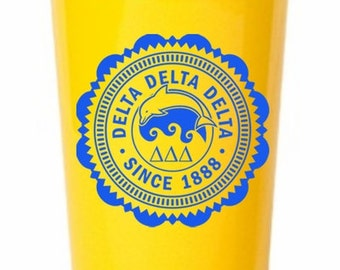 Delta Delta Delta Old Style Classic Giant Plastic Cup