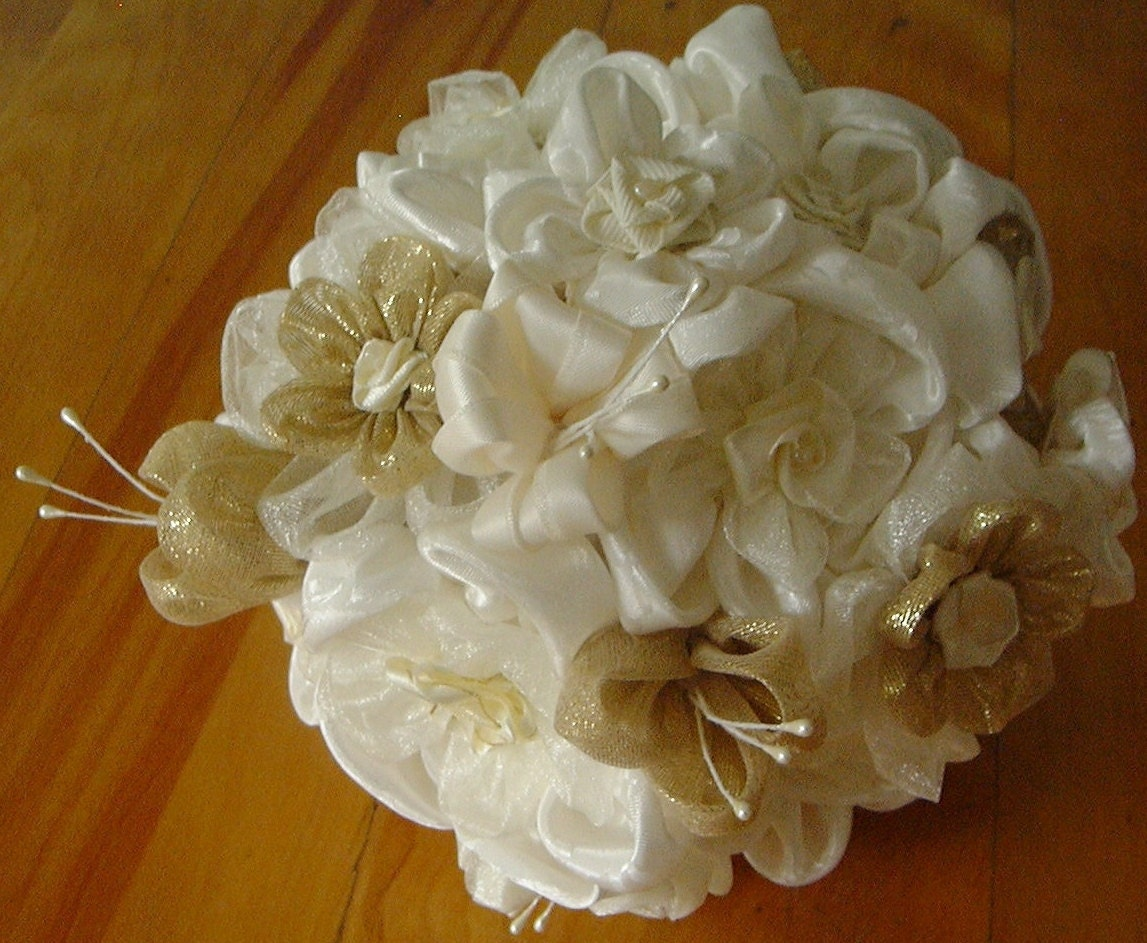bouquet de mari e boutonni re bouquet and boutonniere. Black Bedroom Furniture Sets. Home Design Ideas