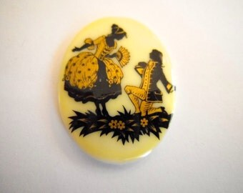 Victorian courting couples vintage cameo 30 x 40mm oval (1)