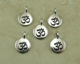 5 TierraCast Round Om Ohm Aum Charms > Zen Yoga Buddhism Stampable Spiritual - Silver Plated Lead Free pewter - I ship Internationally 2404