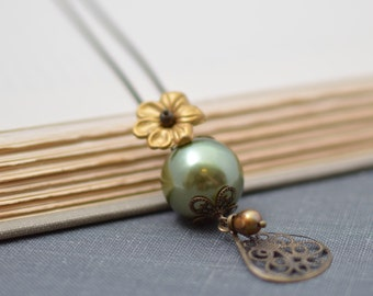 Forest Green Pearl Necklace with Gold Flower
