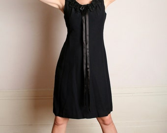 Vintage 1960s Little Black Dress - Twiggy Style Bow Mod Dress - Medium