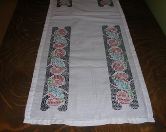 """Vintage Cotton Runner Hand Embroidered Cross Stitched Flowers Black Accent Border  13"""" X 42"""" D5567"""