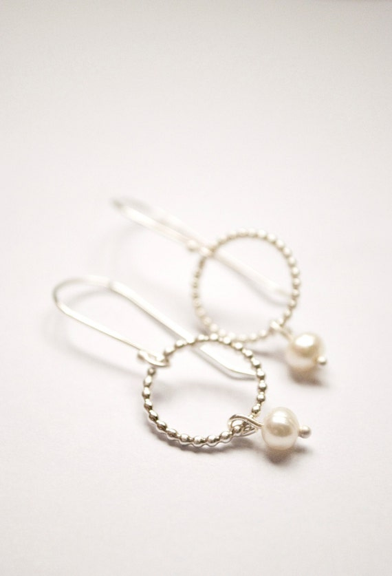 La Petite Perle: beaded circles with pearl (custom wedding - your choice of color  & finish) - earrings
