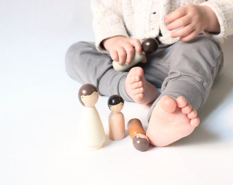 Wooden Dolls // The Organic Family // Beige Eco-Friendly Kids Waldorf Toys Fair Trade // Four Wooden Peg Dolls - Wooden Toys