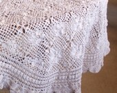 Vintage Oval Tablecloth - Crochet Tablecloth - Shabby Chic Style - Country Cottage Tablecloth - Bed and Breakfast - Cottage Chic