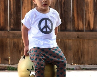 Peace and Love T-shirt, Grey, Black, Bright Pink, Red, 2T, 3T, 4T, 5T boy girl, peace sign, Etsy kid's fashion, cool shirt