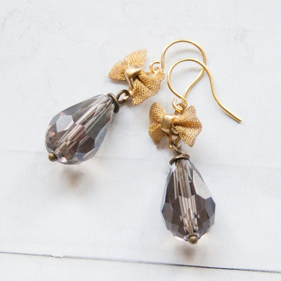Lois Lane - faceted smokey grey earrings with bows