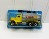 Hot Wheels Workhorses Peterbuilt Shell Tanker Truck 2800, 1989 Metal Die Cast Truck