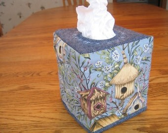 Birdhouse Quilted Tissue Cover