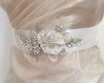 Ivory Pearl Crystal Beaded Sash, Bridal Flower Sash Belt, Wedding Crystal Beaded Belt, Wedding Ivory Sashes Belts, Bridal Pearl Sash