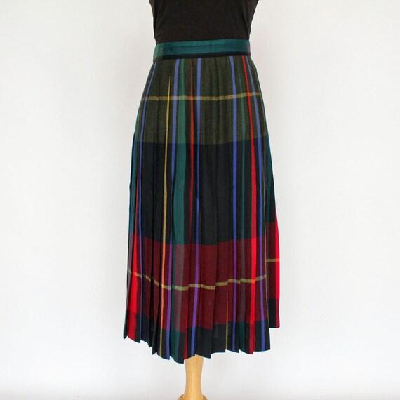 70 s pleated skirt wool plaid black by centerstagevintage