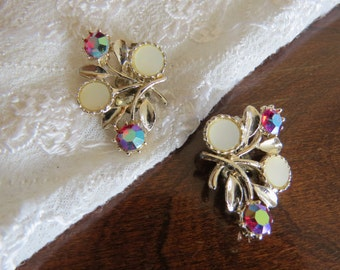 Vintage Clip Earrings Aurora Borealis Red, Gold and White Abstract Floral