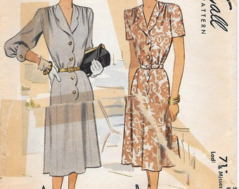 McCall 7114 - 1940s Scalloped Front Dress Sewing Pattern Bust 32 Three Quarter Sleeve