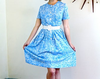 Authentic Vintage 50s Shelton Stroller Day Dress Novelty Print Short Sleeve Bright Sky Blue Retro Housewife 1950s Shirtwaist Size Large L