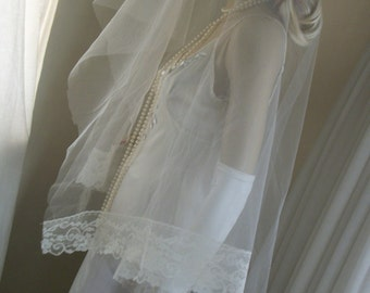 1970s  Vintage Wedding Veil Matilla Sheer Lace Trim Gorgeous One Size Fits All