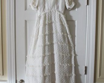 Vintage 1960s Priscilla of Boston White Cotton and Lace Ruffle Wedding Dress