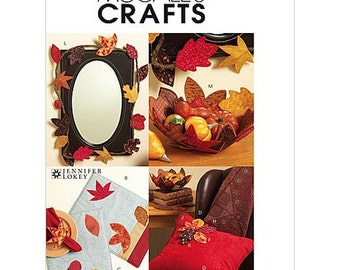 Sew & Make McCall's M5947 SEWING PATTERN - Autumn Fall Leaves Leaf Table Runner Placemats Bowl Garland
