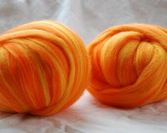 DAFFODILS - Superfine MERINO Roving 18mic  multicolored