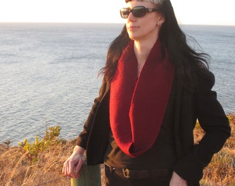 SALE - Handwoven Infinity Scarf Cowl  //  Medium Cranberry + Black  //  BAROQUE