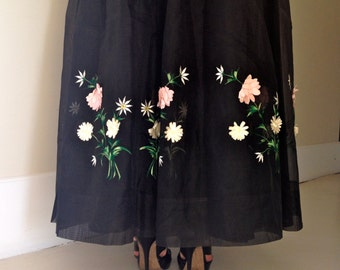 50s Strapless Dress - Organza - Tulle - Embroidery - Flower Silk Aplique 50s - Mint Condition