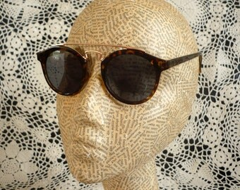 Deadstock 90's Vintage Tortoiseshell Clubmaster Sunglasses With Metal Bar