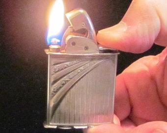 Vintage Evans Spitfire Lighter 1940s Silver Lighter Art Deco Working Pocket Lighter EXCELLENT WORKING CONDITION