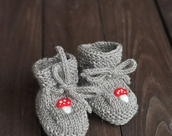 Newborn Baby Girls / Boys Knitted wool socks, Baby Lace up Stay-On Booties, neutral brown grey red needle felted mushroom 0-3-6-9-12 months