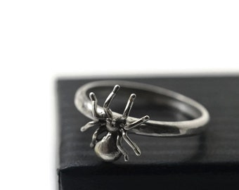 Silver Spider Ring, Spider Jewelry, Insect Ring, Creepy Crawly, Sterling Silver Ring, Insect Jewelry