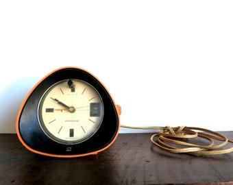 Retro Atomic Bedside Clock Radio