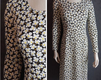 70s Floral Dress Neiman Marcus. Kiva Ltd. Wash and Wear. Small Medium