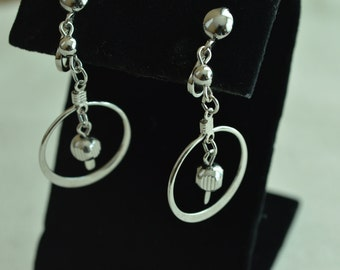SALE ! Silver Tone Retro Clip Earrings