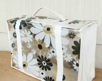 Vintage 1960's Clear Black + White + Gold Vinyl Daisy Flower Case