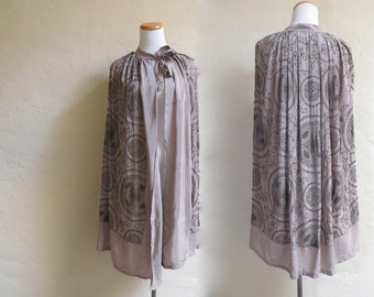 Gorgeous Vintage 1920s Flapper Beaded Taupe Silk Cape