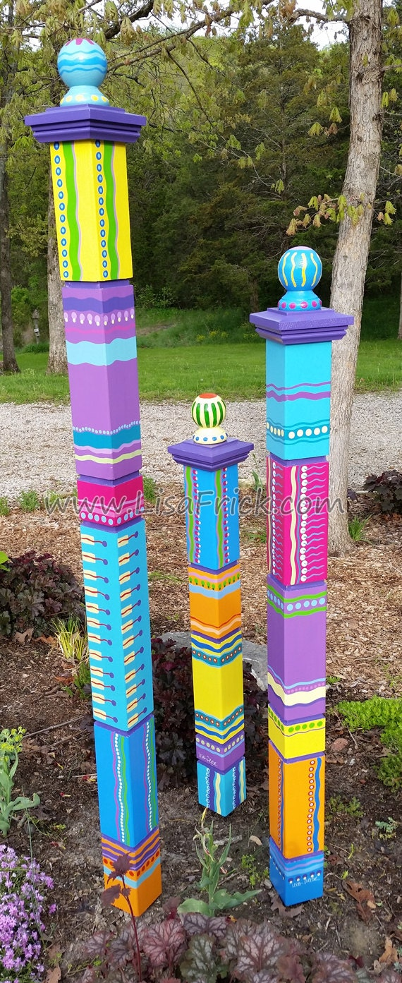Single large garden totem garden sculpture colorful by for Garden art pole