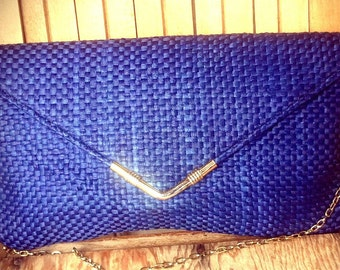 CHAINS   ///   Blue Woven 60s Envelope Bag