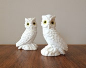 Vintage Owl Figurines in White Alabaster Made in Italy