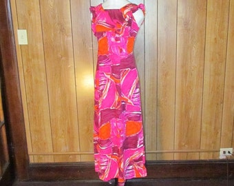 Beautiful Vintage Pink Hawaiian Maxi Dress