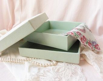Three Piece Storage Box with Sequins, Decorated Keepsake Box, Decorative Gift Box with Padded Lid