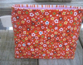 Reusable Snack Bag with Velcro Closure: Mini Flowers