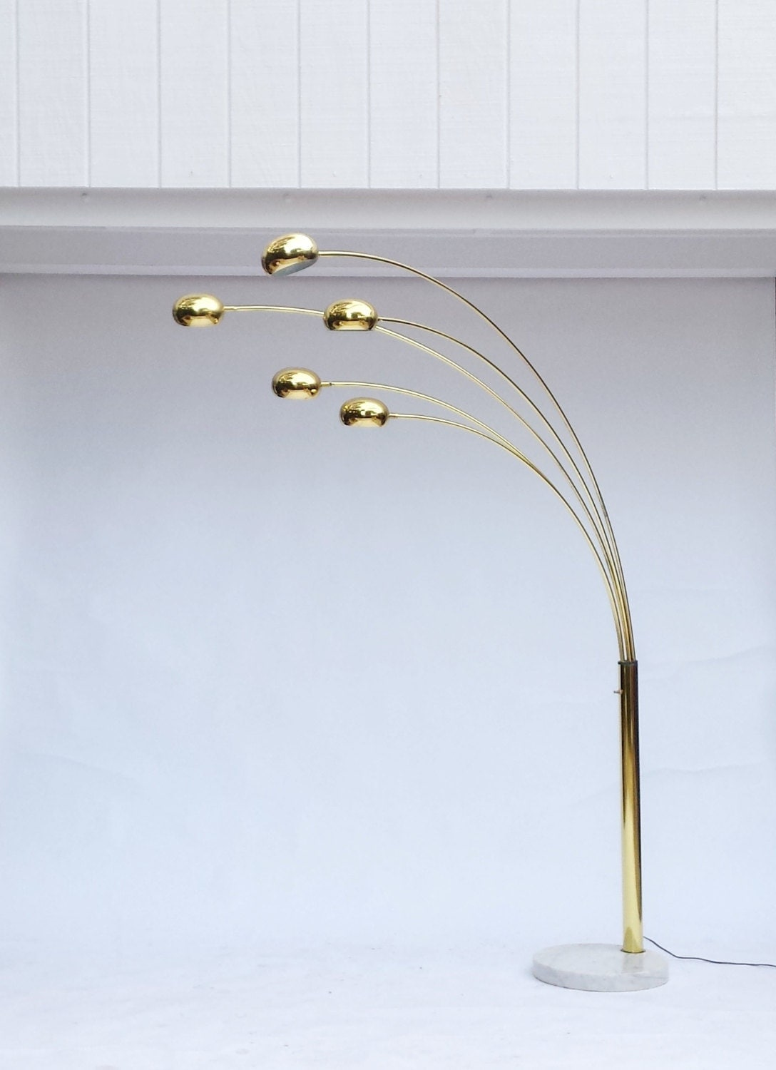 mid century modern arc floor lamp brass arc lamp brass. Black Bedroom Furniture Sets. Home Design Ideas