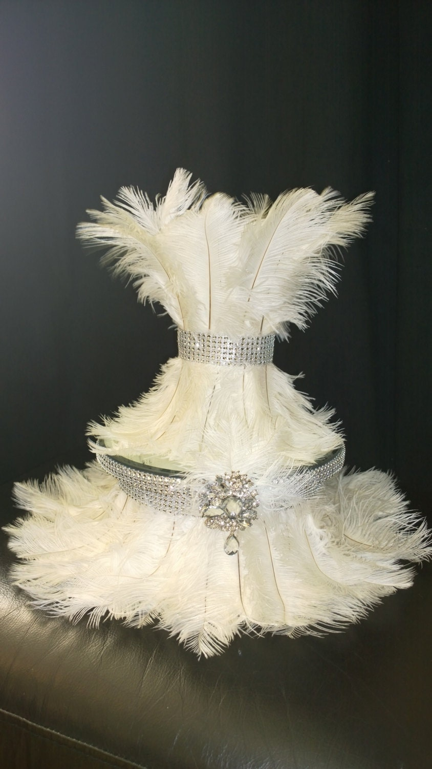 ostrich feather wedding cake ostrich feather amp diamante design wedding cake stand many 18072