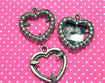Heart Frame Charm- 4 pieces-(Antique Pewter Silver Finish)