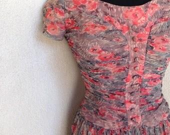 Vintage lovely chiffon floral 1960 dress knee length by Winnie Marsh sz xs-s