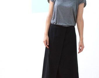 Mid length skirt Trussardi // 90s // M/L size